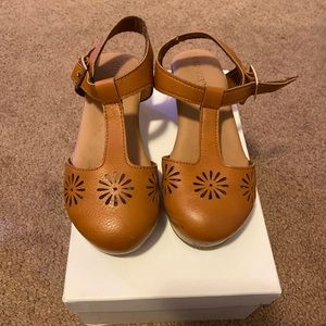 Old navy clogs size 12